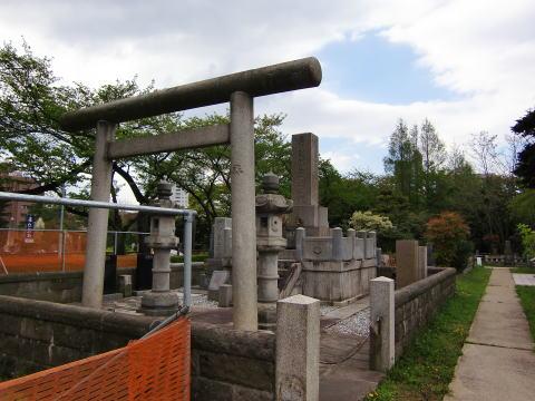 香川敬三の墓
