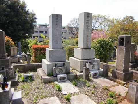 角田秀松の墓